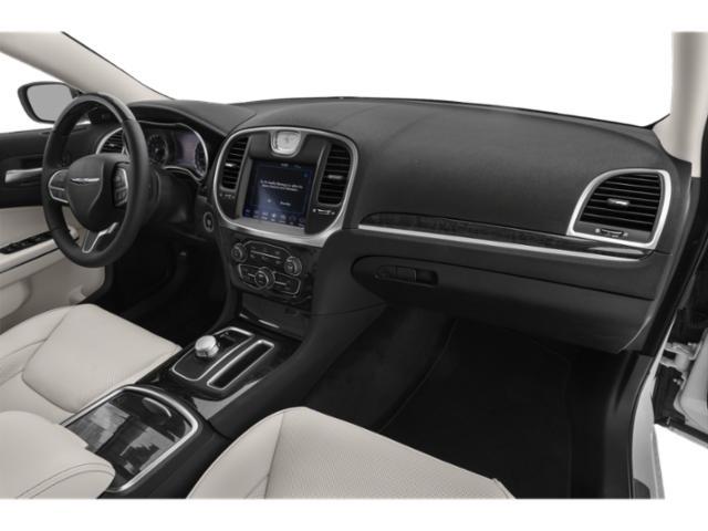 2019 Chrysler 300 4D Sedan