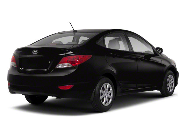 2013 Hyundai Accent GLS 4dr Car Slide 0