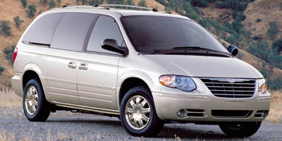 2006 Chrysler Town & Country  - Urban Sales and Service Inc.