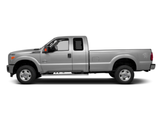 "Super Duty F-350 SRW 4WD SuperCab 142"" XLT"