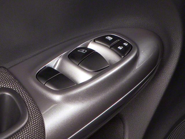 Pre-Owned 2011 Nissan JUKE SV