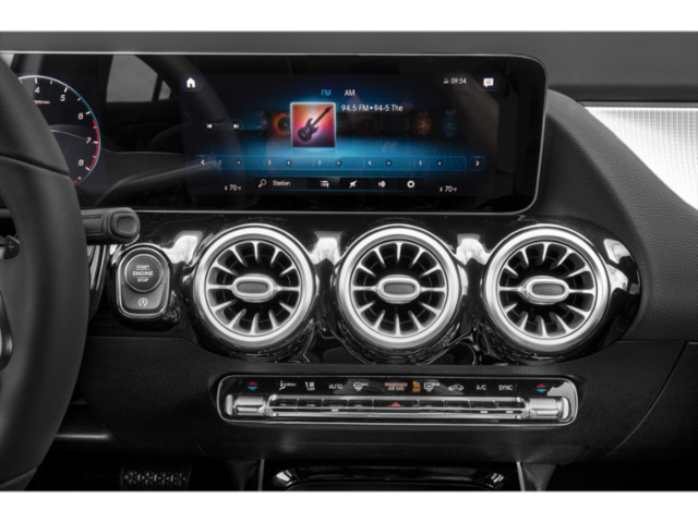 New 2021 Mercedes-Benz GLA250 4MATIC SUV