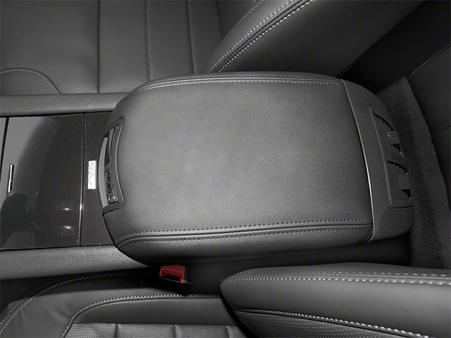 2013 Ford Taurus 4dr Car