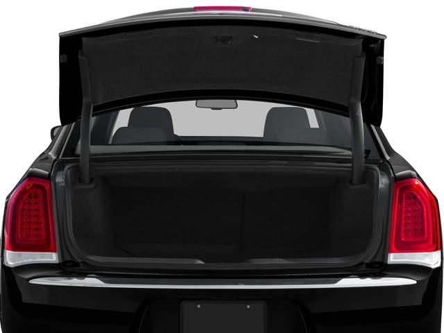 2016 Chrysler 300 4dr Car
