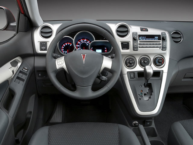 2010 Pontiac Vibe 4dr Car