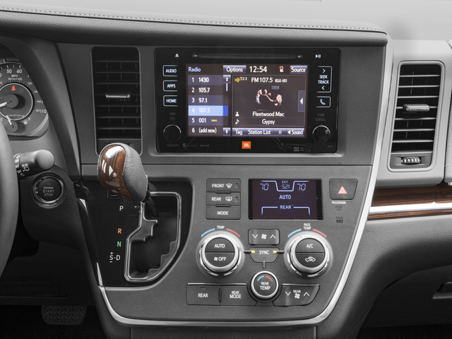 2017 Toyota Sienna 4D Passenger Van
