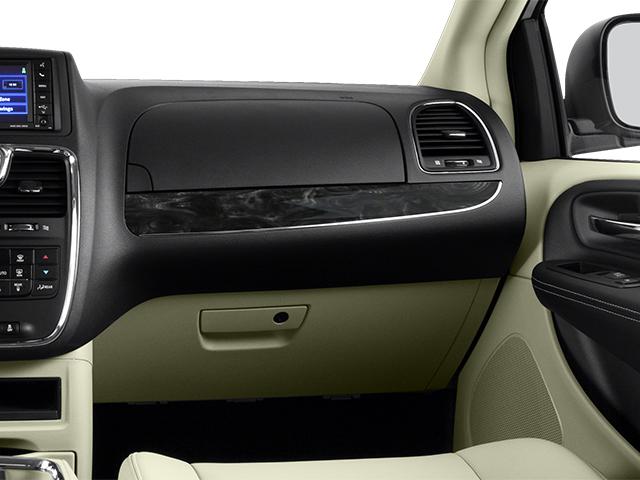 2014 Chrysler Town & Country Mini-van, Passenger