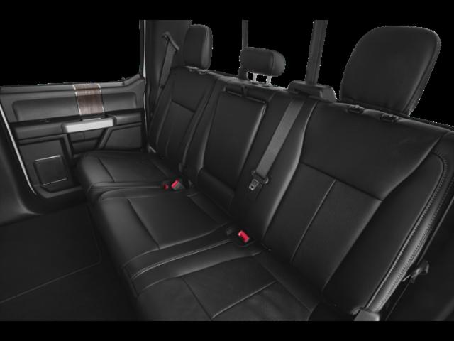 LARIAT 2WD Crew Cab 6.75' Box image