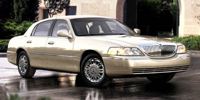 Used 2008  Lincoln Town Car 4d Sedan Signature LWB at Car Zone Sales near Otsego, MS