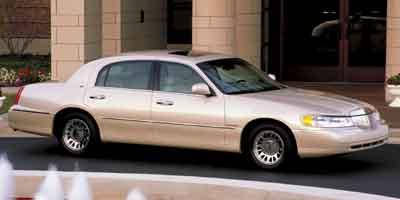 2002 Lincoln Town Car  - Astro Auto
