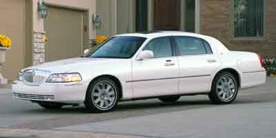 Pre-Owned 2004 LINCOLN TOWN CAR Ultimate S