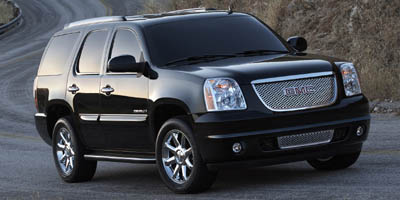 Used 2007  GMC Yukon 4d SUV 4WD Denali at Red River Pre-Owned near Jacksonville, AR